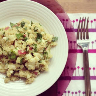 Salade quinoa, pommes et Babybel