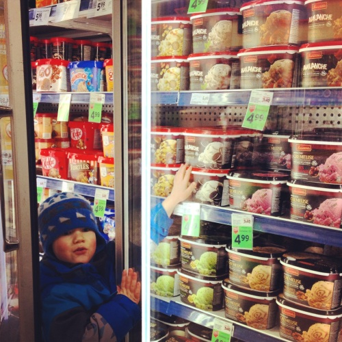 Fiston et sa meilleure amie, la crème glacée