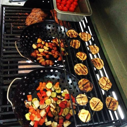 légumes et patates grelots sur le BBQ