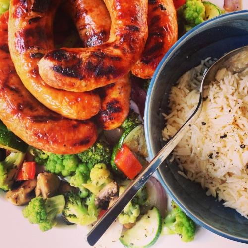 saucisses et légumes BBQ