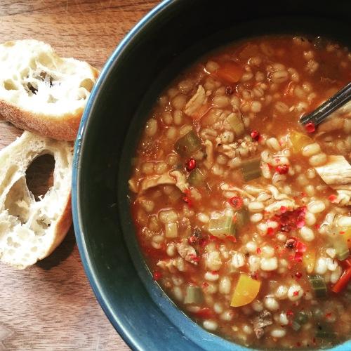 Soupe à l'orge et à la viande à fondue